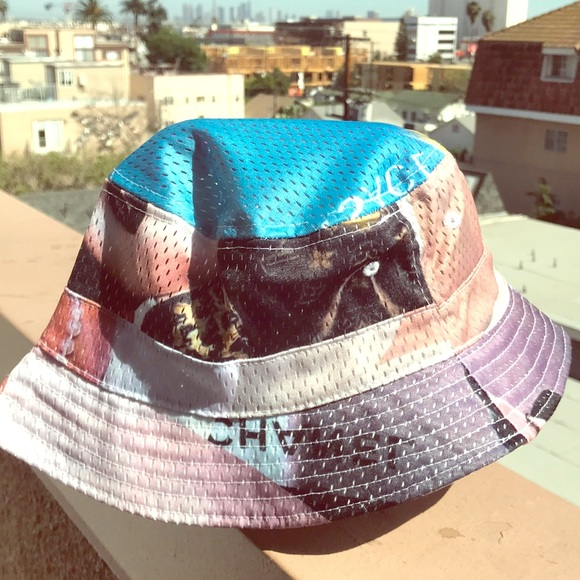 50867f4f7cb Chanel and Versace print Bucket Hat. M 5ace8c079cc7ef5fb3145f9d